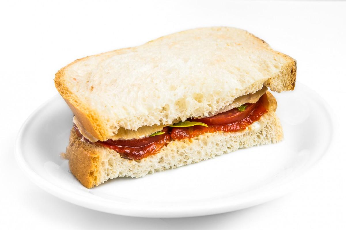 Курица гриль сэндвич