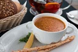 Суп чечевичный, пикантный.