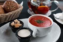 Овощной томатный крем  суп со сметаной