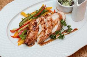 Куриная грудка терияки с овощами жульен