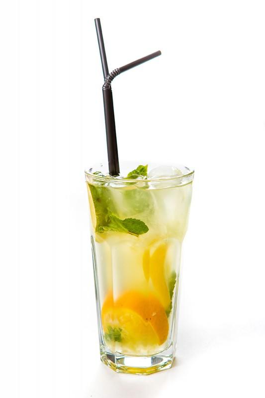 Лимонад базиликово-яблочный